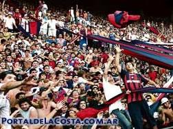 El estadio José María Minella desborda de pasión.
