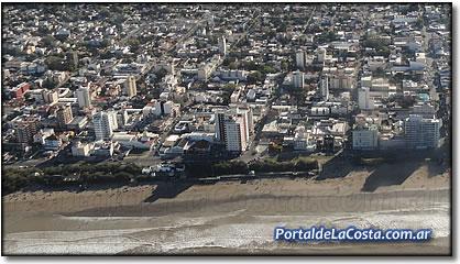 Santa Teresita, foto aérea de playa centrica.